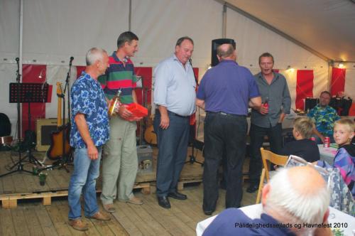 Pålidelighedssejlads og havnefest 2010